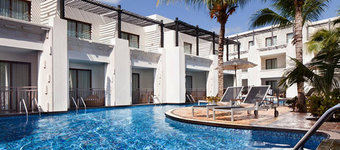 Azul Beach Accommodations - Family Swim-Up Suites
