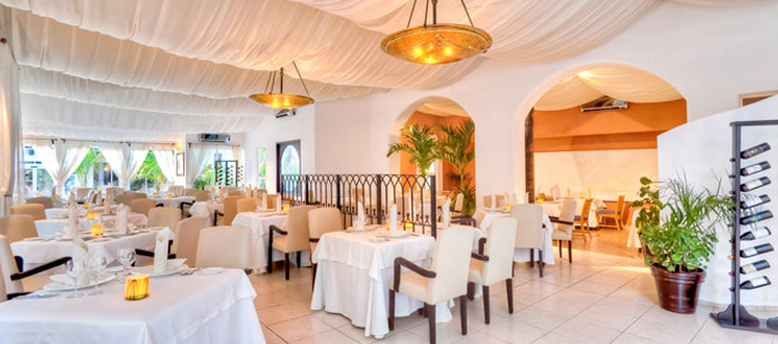 El Dorado Seaside Suites Dining - Mia Casa